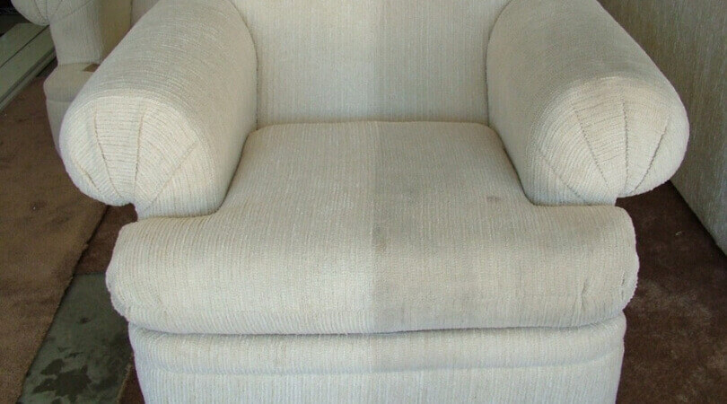 Points To Remember When Choosing Upholstery Cleaning Service