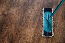 Wooden floor dusting